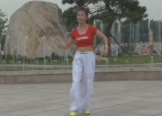 龍都舞動晨韻街舞健身操一 正面背面演示