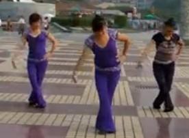 紫玫瑰广场舞家乡的味道舞蹈教学视频
