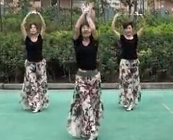 周思萍广场舞爱情海 热门广场舞视频舞曲下载