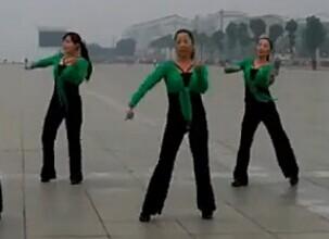 紫玫瑰廣場舞中國紅隊型演示視頻舞曲免費下載