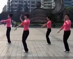 周思萍广场舞姑娘生来爱唱歌