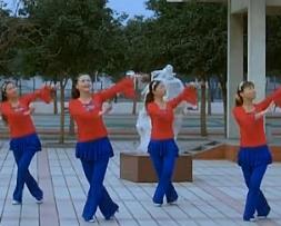 青馨明月廣場舞紅馬鞍 編舞春英 簡單好看廣場舞