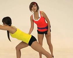 箭步蹲并腿划船 韩国郑多燕减肥健身操 35个身体训练动作