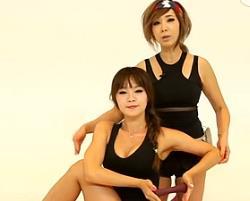 啞鈴坐姿腰側旋 韓國鄭多燕減肥健身操 35個身體訓練動作