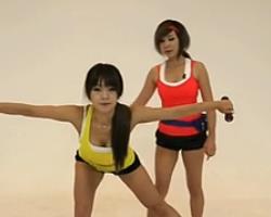 哑铃俯身侧平举 韩国郑多燕减肥健身操 35个身体训练动作