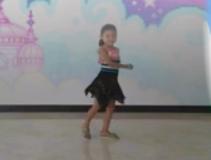快乐小天使舞蹈摇篮曲 编舞向甜 香香《摇篮曲》歌词歌曲MP3下载