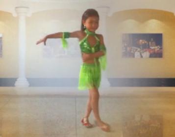 功夫恰恰广场舞 活力四射的拉丁舞蹈 快乐小天使广场舞