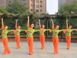 北京加州广场舞为你跑成罗圈腿正面背面