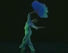 胶州秧歌 留在彼岸的青春 北京舞蹈学院民间舞系 音乐:蔡琴《六月茉莉》
