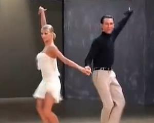 01桑巴舞教学《基本花步舞序》桑巴舞教学视频免费下载