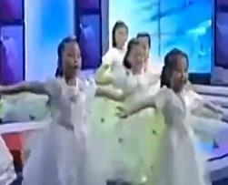儿童舞蹈视频 虫儿飞 简单易学儿童舞蹈舞台表演