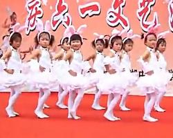 简单儿童舞蹈 我不上你的当 超清儿童舞蹈表演