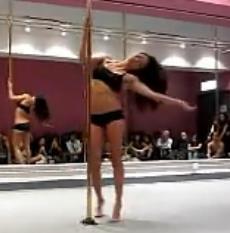 Dirdy Birdy Spinning Pole 钢管舞表演 钢管舞简单教学