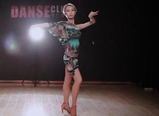 拉丁舞《安和桥》舞蹈视频 拉丁舞导师个人展示 单色舞蹈
