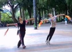 廖弟广场舞我的蒙古马舞蹈视频 热情大方的中老年广场舞 演唱乌兰图雅