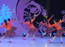 花一开就相爱星月广场舞背面舞蹈视频 杨姣《花一开就相爱》歌词MP3下载