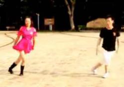 就爱广场舞双人演示视频 凤凰香香广场舞-就爱广场舞正反面含教学