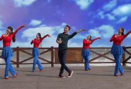 張春麗廖弟廣場舞青青的青海團隊演示 阿魯阿卓《青青的青海》歌詞mp3