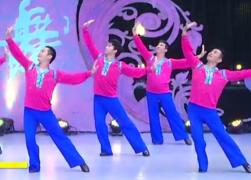 中国男子帅龙队广场舞爱在西藏团队舞蹈视频