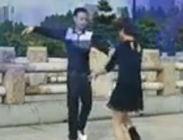 神彩广场舞很任性 吉特巴水兵舞教学一
