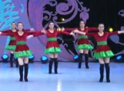 北京加州飞龙广场舞女神正背面舞蹈视频 舞曲《女神啾啾啾》