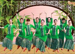 王梅广场舞花一开就相爱正面背面演示教学 馨梅广场舞花一开就相爱 傣族舞
