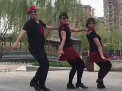 北京冬冬水兵舞第六套 李冬团长葛京老师高子老师表演 水兵舞马背上的情歌