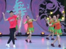 五环之歌艺子军广场舞团队正面 热情动感的中老年广场舞