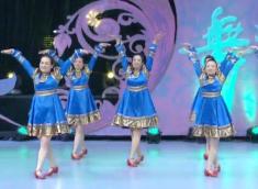 2016年新舞-格格广场舞盛开的马兰花团队演示