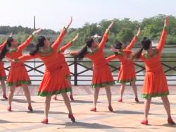 青青草原高安飛揚廣場舞背面舞蹈視頻 演唱:烏蘭托婭