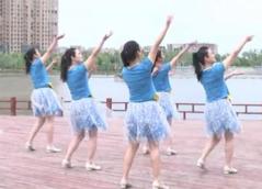 親愛的別想我廣場舞團隊背面演示 安徽綠茶飛舞廣場舞