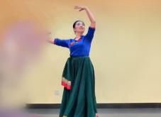 藏族舞(七)《几个手臂动作和几个步伐的附加练习》