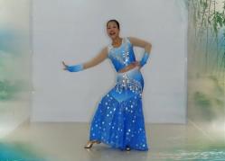王梅广场舞水月亮正反面含教学 傣族舞 阿幼朵《水月亮》歌词MP3下载