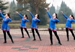 云裳广场舞欢乐的歌儿唱起来正面背面演示教学