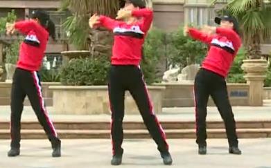 杨丽萍广场舞《爱在草原》DJ原创民族健身操