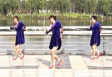 青儿广场舞《爸爸的村庄》MP4视频下载