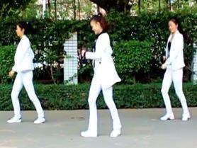 凤凰香香广场舞《一起走天涯》原创附分解 和视频下载
