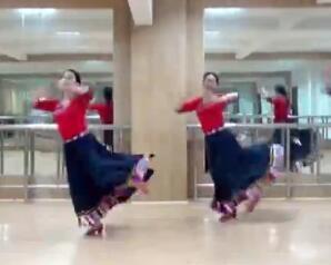 応春梅廣場舞《天邊的巴拉格宗》