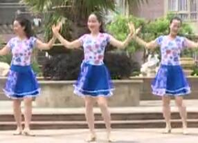 杨丽萍广场舞《今夜的你又在和谁约会》