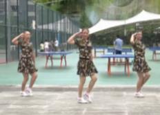 重庆叶子广场水兵舞《女兵走在大街上》
