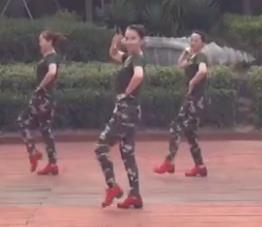 美久广场舞《当兵的历史》原创现代舞附导师教学