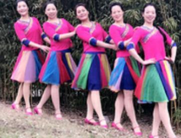 苏州雨夜广场舞 心中的阿妹 原创附教学