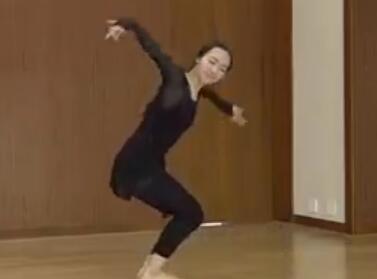 北京舞蹈学院奉艺馨古典舞《月梦》