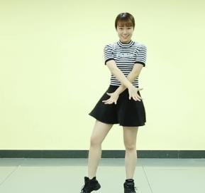 健康舞蹈《真的不容易》上