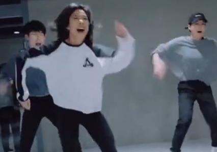 女神Lia Kim超帅气编舞Our Own House